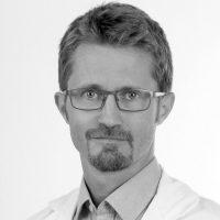 Dr. Roland Prosser, FA für Radiologie, sieht die Anschaffung des neuen MRT-Geräts als Quantensprung.