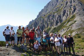 Die Wandergruppe auf dem Weg zum Birgitzköpfl