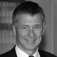 Dr. Walter Povysil