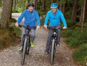 Christian Neureuther und Christian Fink beim E-Biken