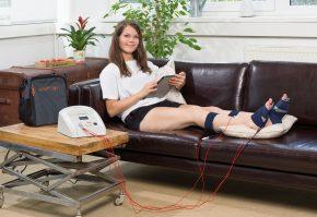 Hochtontherapie wirkt ursächlich auf den Nerv. Das HiToP 191 ist das Gerät für die Polyneuropathiebehandlung zu Hause und wird auch von Allgemeinmedizinern eingesetzt.